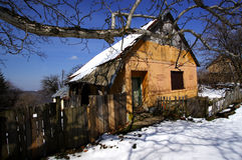 house den förlorade gammala byn royaltyfria bilder