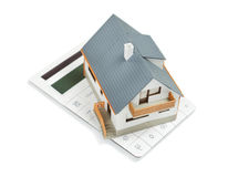 House di modello e chiavi sui piani architettonici superiori isolati su briciolo Fotografia Stock Libera da Diritti