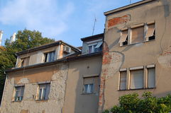 House falling apart. A hous in need of renovation Royalty Free Stock Photos