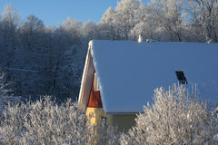 House on a frosty winter day Royalty Free Stock Photography