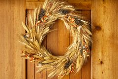 Free House Home Front Door Fall Autumn Thanksgiving Decorations Country Style Natural Botanical Rustic Wreath On Wood Background Royalty Free Stock Photography - 126276417