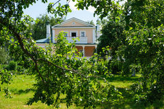 House with the mezzanine in Konstantinovo Stock Photography