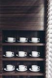 House modèle moderne italien : Double évier de cuisine en aluminium Photographie stock libre de droits
