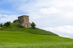 Free House On A Hill Royalty Free Stock Images - 14400109