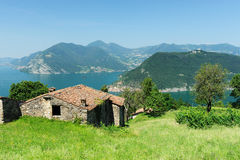 House overlooking lake Iseo Royalty Free Stock Photography