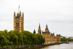 House of Parliament. A full view of the house of parliament in London, England, with Big ben in the background Royalty Free Stock Image