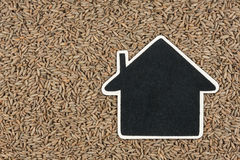 House pointer, the price tag lies on rye Stock Images