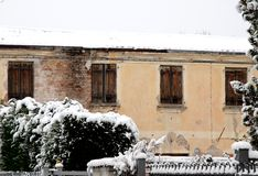 House with the roof covered with snow Royalty Free Stock Images