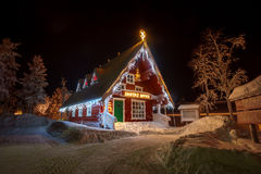 House in the winter forest Royalty Free Stock Photos