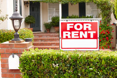 Free House With For Rent Sign Royalty Free Stock Image - 21156696
