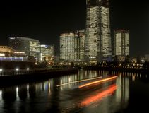 Houseboat που ταξιδεύει προς Minato Mirai στοκ φωτογραφίες με δικαίωμα ελεύθερης χρήσης
