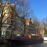 Houseboat in. Grachten in Amsterdam Stock Photography