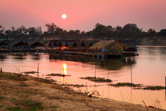 """Houseboat. On the """"Moon River"""" in Thailand after sunset Stock Photos"""