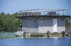 Houseboat przy morzem Fotografia Stock