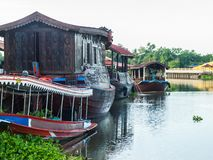 Houseboat w Tha podbródka rzece Nakhonpathom Fotografia Stock