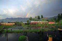 houseboats над радугой Стоковая Фотография