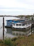 Houseboats przy Hamburgs Spreehafen, Niemcy - Zdjęcie Stock