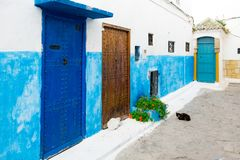 Housentrances i Kasbahen av Udayasen, Rabat, Marocko Arkivfoton