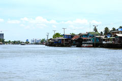 Houses along the Chao Phraya River Royalty Free Stock Photography