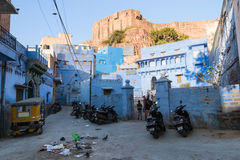 Houses below Mehrangarh Fort Royalty Free Stock Photography