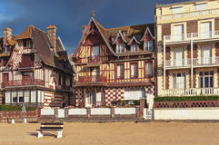 Houses next to the beach. Royalty Free Stock Photo