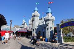 HOUSTON, ETATS-UNIS - 12 JANVIER 2017 : Grande entrée de château dans Legoland, en tant qu'endroit touristique Legoland est un pa Images libres de droits