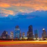 Houston i stadens centrum horisont på solnedgångskymning Texas arkivfoto