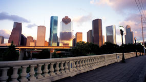 Houston-im Stadtzentrum gelegene Skyline stockbild