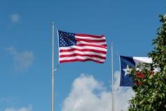 Houston, le Texas Etats-Unis - 15 juin : Drapeau américain flottant dans le vent images stock