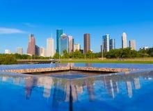 Houston linia horyzontu i pomnika odbicie Teksas USA Obrazy Stock