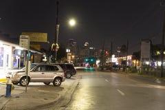 Houston od sąsiedztwa przy nocą zdjęcie stock