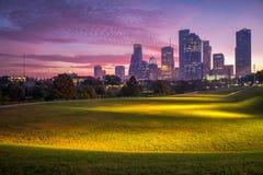 Houston-Skyline an der Dämmerung Lizenzfreie Stockfotos