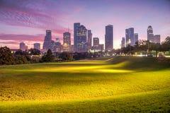 Houston-Skyline an der Dämmerung Stockbilder