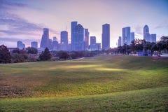 Houston-Skyline an der Dämmerung Lizenzfreie Stockfotografie