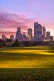 Houston-Skyline an der Dämmerung Stockbild
