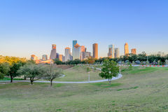 Houston som är i stadens centrum på solnedgången Fotografering för Bildbyråer