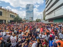 HOUSTON, TEJAS - 3 de noviembre de 2017 - los campeones Houston Astros del mundo celebra su triunfo sobre el LA Dodgers foto de archivo libre de regalías