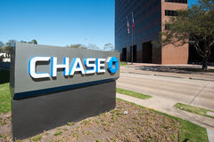 HOUSTON, TEXAS - FEBRUARI 2016: De tribune van JPMorgan Chase Bank met t Royalty-vrije Stock Foto's