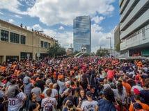 HOUSTON TEXAS - NOVEMBER 3rd 2017 - världsmästare Houston Astros firar deras seger över LAskojarna Arkivbilder