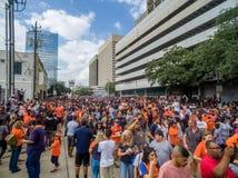 HOUSTON TEXAS - NOVEMBER 3rd 2017 - världsmästare Houston Astros firar deras seger över LAskojarna Arkivfoton