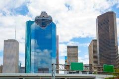 Houston Texas Skyline con skyscapers y el cielo azul Fotografía de archivo
