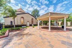 Houston TX/USA - 04 04 2015: St Kevork Armenian Church i Houston, TX, USA Royaltyfria Foton