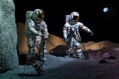 Houston, TX/USA - vers en juillet 2013 : Astronautes dans des costumes d'espace dans Lyndon B Johnson Space Center, Houston, le T images stock