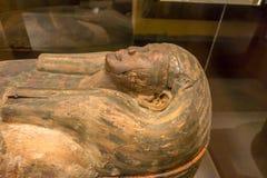 HOUSTON USA - JANUARI 12, 2017: Stäng sig upp av sarkofaget av den forntida Egypten i nationellt museum av naturvetenskap Arkivbilder