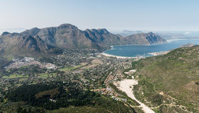 Hout海湾& x28; 开普敦、南非& x29;鸟瞰图 免版税库存照片