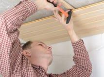 Hout die het plafond met panelen bekleden royalty-vrije stock foto