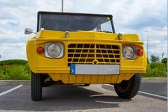 Houtaud/Franche Comté/France/июнь 2018: Желтые 1980s Citroen m стоковые фотографии rf