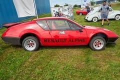 Houtaud/Franche Comté/France/en juin 2018 : Les années 1970 rouges Renault Alpi photos stock