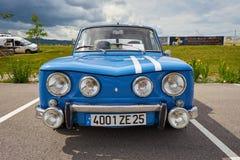 Houtaud/Franche Comté/France/giugno 2018: Gli anni 70 blu Renault R8 immagine stock