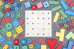 Houten aannemersdetails op het tapijt stock foto's